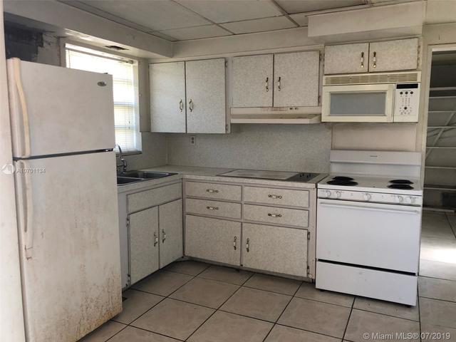 17121 Northwest 42nd Place Miami Gardens, FL 33055