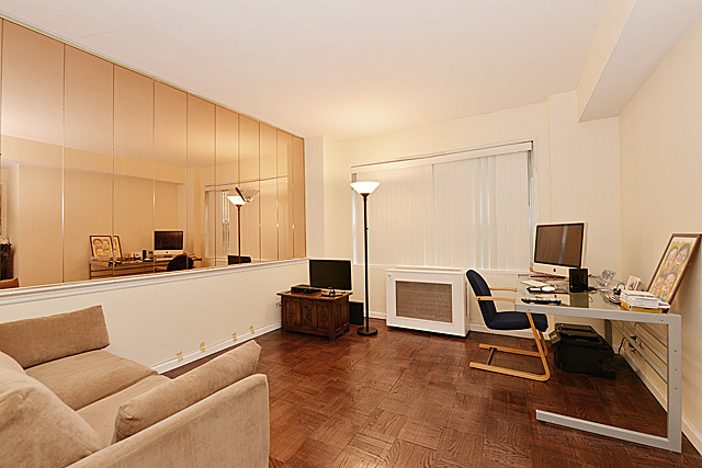 310 East 49th Street, Unit 1F Image #1