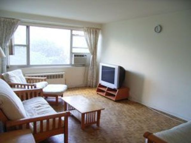 215 Park Row, Unit 2C Image #1