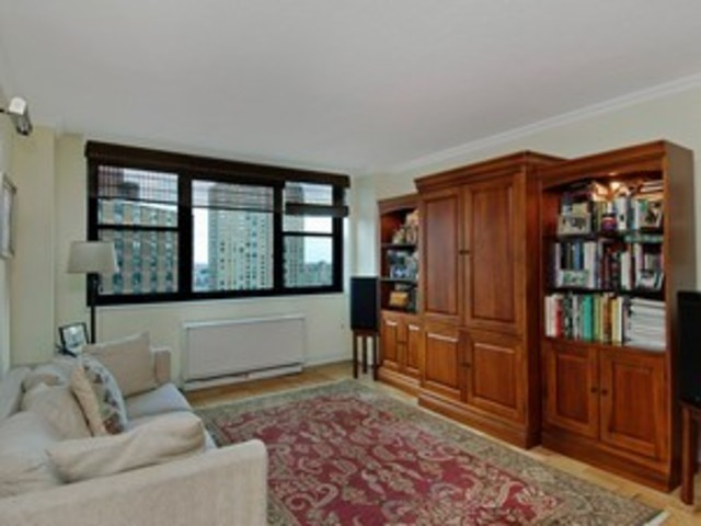 340 East 93rd Street, Unit 22F Image #1
