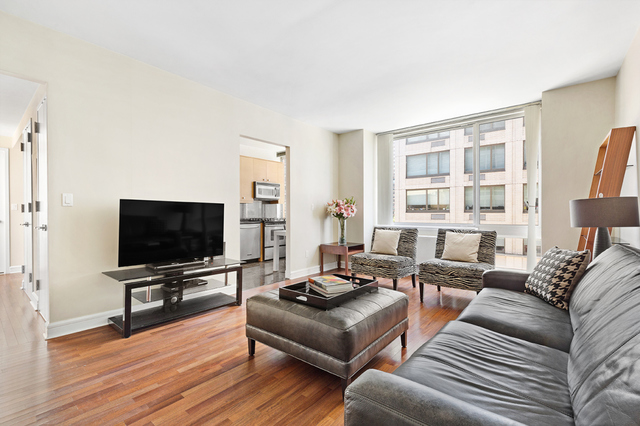 120 Riverside Boulevard, Unit 6W Manhattan, NY 10069