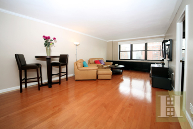 245 East 25th Street, Unit 12H Image #1