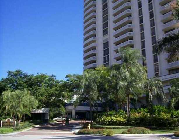19355 Turnberry Way, Unit 3H Image #1