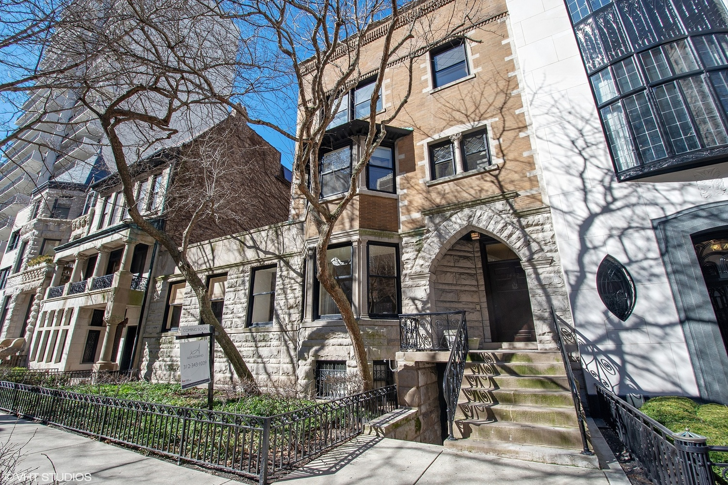 1442 North Astor Street Chicago, IL 60610