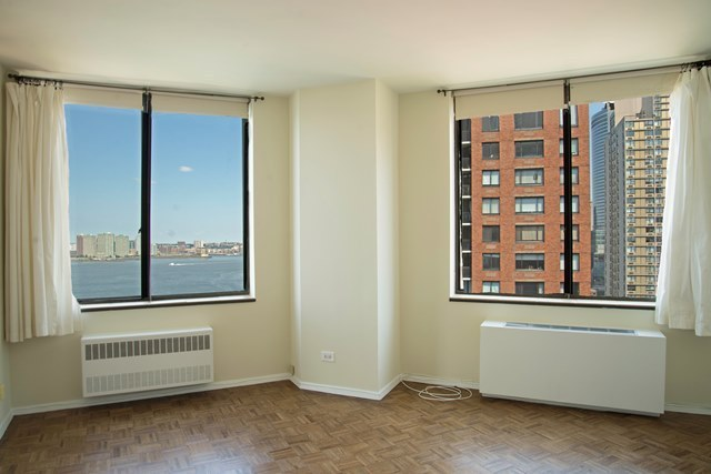 380 Rector Place, Unit 19B Image #1