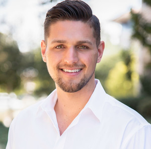 Shane Dulgeroff,                       Agent in Los Angeles - Compass
