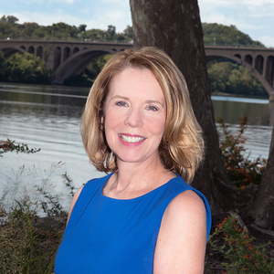 Lynne Tucker, Agent in DC - Compass