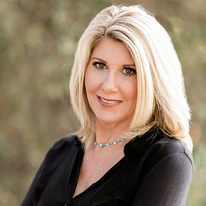 Deanne Anderson,                       Agent in Los Angeles - Compass
