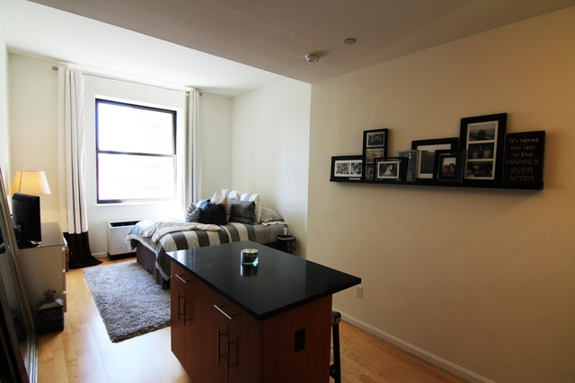 20 West Street, Unit 12C Image #1