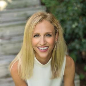 Sara Weichhand, Agent in Chicago - Compass