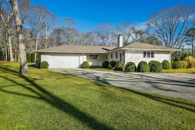 4 Jones Cove East Hampton, NY 11937