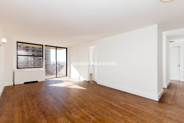 330 East 39th Street, Unit 28C Image #1