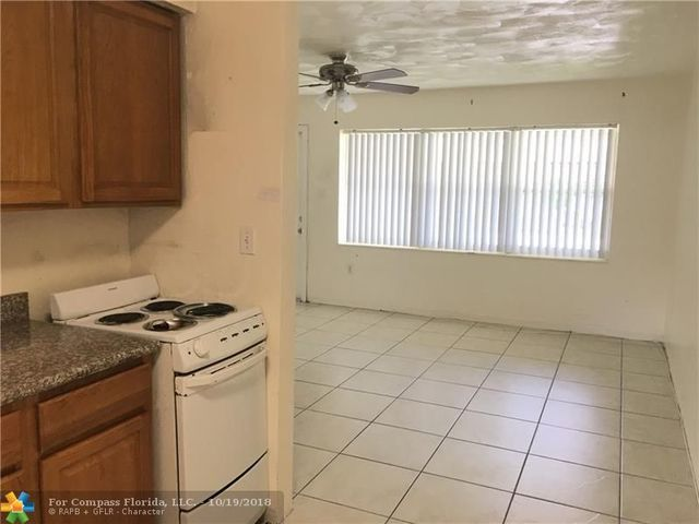6032 Pierce Street Hollywood, FL 33024