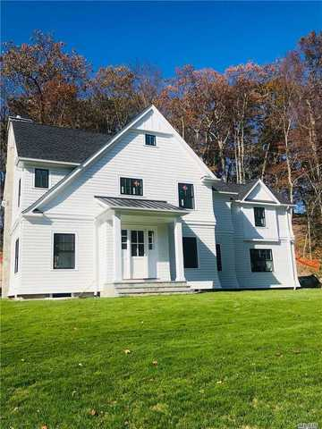 9 Goose Hill Road Cold Spring Hrbr, NY 11724