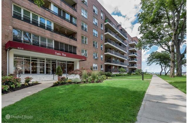 162-21 Powells Cove Boulevard, Unit 3E Image #1