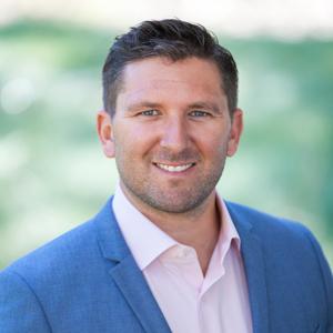 Scott Sans,                     Agent in San Francisco - Compass
