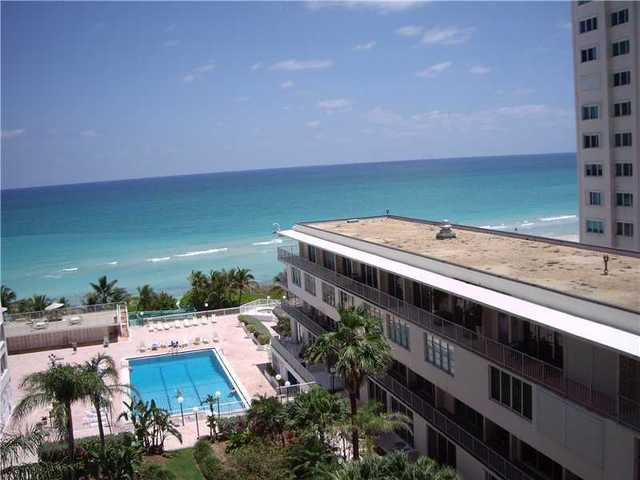 5401 Collins Avenue, Unit 730 Image #1