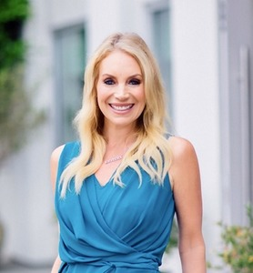 Stacy White,                     Agent in Los Angeles - Compass