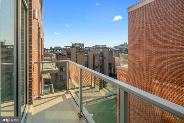 410 South Front Street, Unit 402 Philadelphia, PA 19147