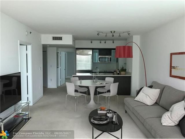 500 Brickell Avenue, Unit 2007 Image #1