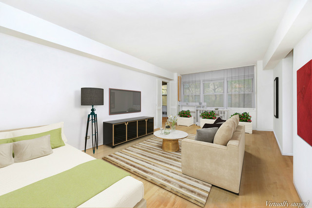 321 East 45th Street, Unit 4A Image #1