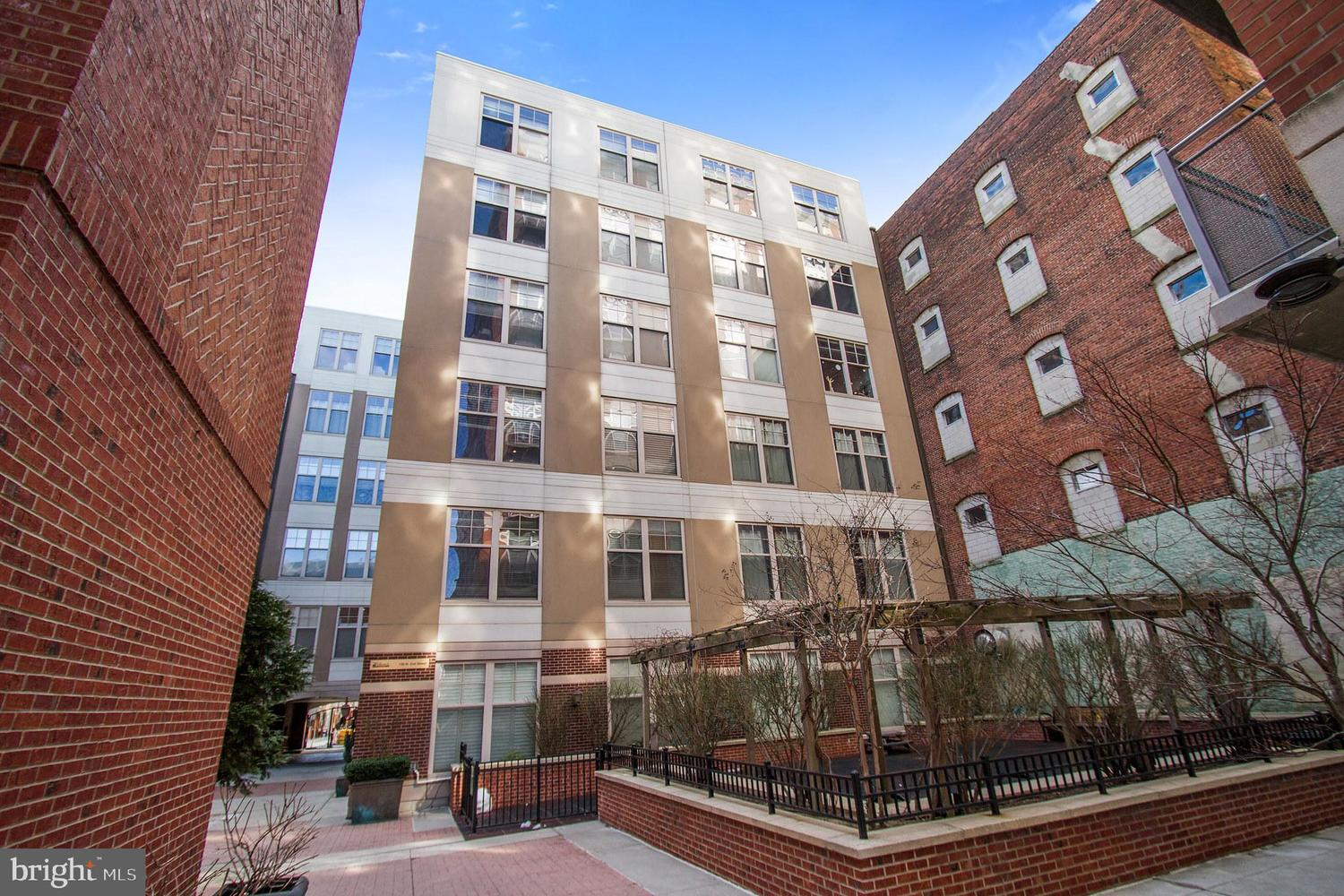 130 North 2nd Street, Unit 6B Philadelphia, PA 19106