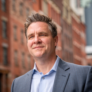 Stephen McArdle, Agent in NYC - Compass