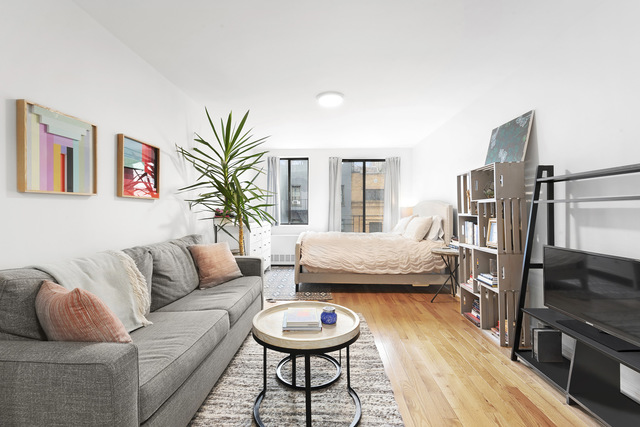 343 East 76th Street, Unit 4B Manhattan, NY 10021