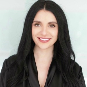 Diana Lavu, Agent in Los Angeles - Compass