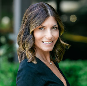Daylynn Helzer, Agent in Los Angeles - Compass