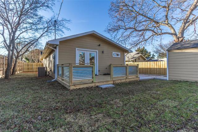1132 South Marlborough Avenue Dallas, TX 75208