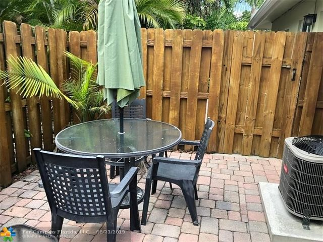 1710 Northeast 8th Street, Unit 4 Fort Lauderdale, FL 33304