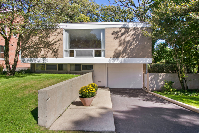 381 Fairview Avenue Winnetka, IL 60093
