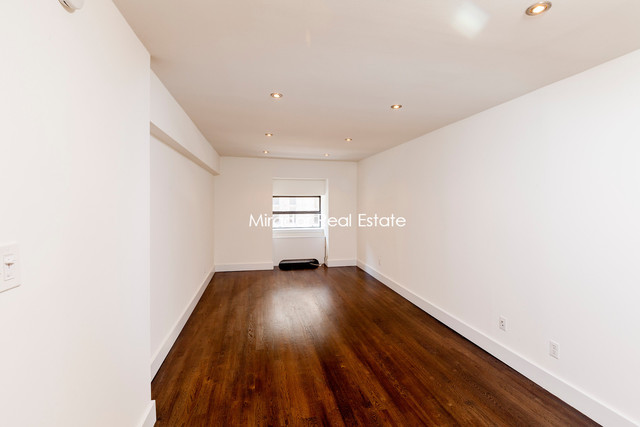 27 West 16th Street, Unit 2E Image #1
