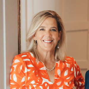 Elly Holder,                       Agent in Dallas-Fort Worth - Compass