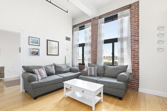 320 West 2nd Street, Unit 304 South Boston, MA 02127