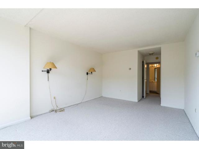 241 South 6th Street, Unit 209 Philadelphia, PA 19106