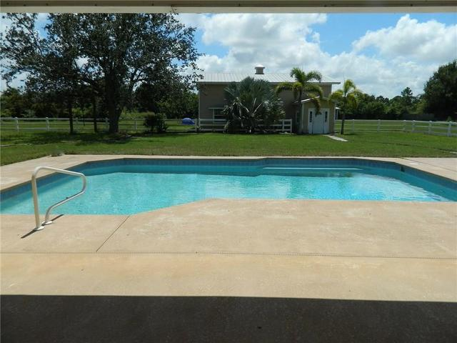 2664 Southwest Horseshoe Trail Palm City, FL 34990