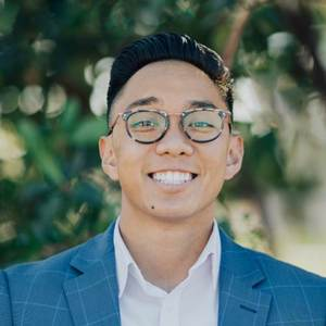 Alex Deguzman,                       Agent in Los Angeles - Compass