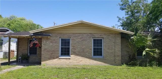 613 East Henderson Street Bishop, TX 78343