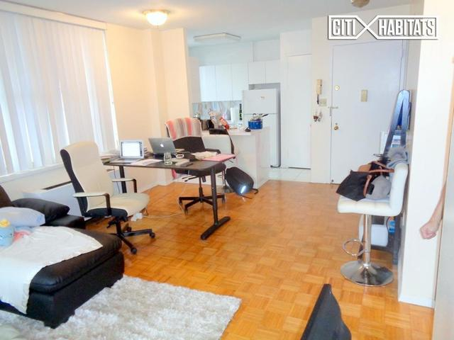520 West 112th Street, Unit 11B Image #1