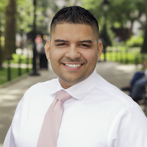 Roy Guevara, Agent in NYC - Compass