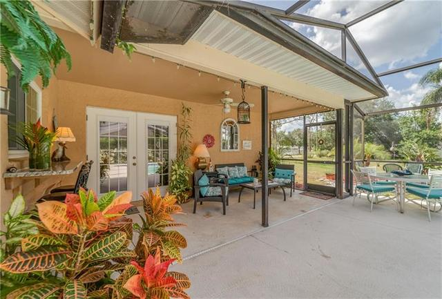7105 Queen Palm Circle Sarasota, FL 34243