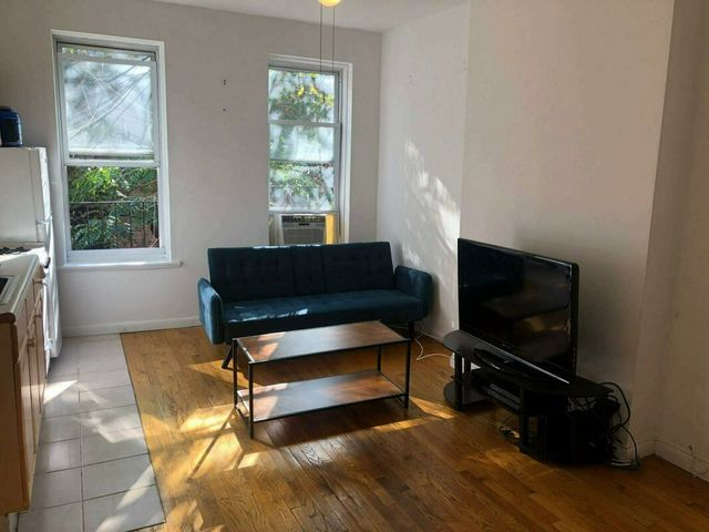 222 East 95th Street, Unit 17 Manhattan, NY 10128