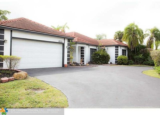 4611 Queen Palm Lane Image #1