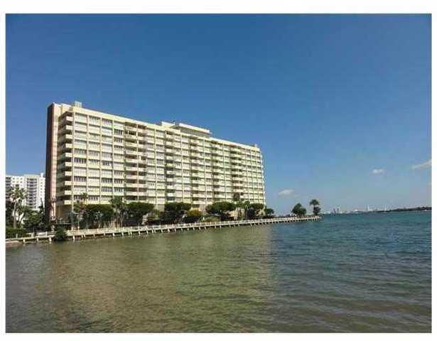 2121 North Bayshore Drive, Unit 612 Image #1