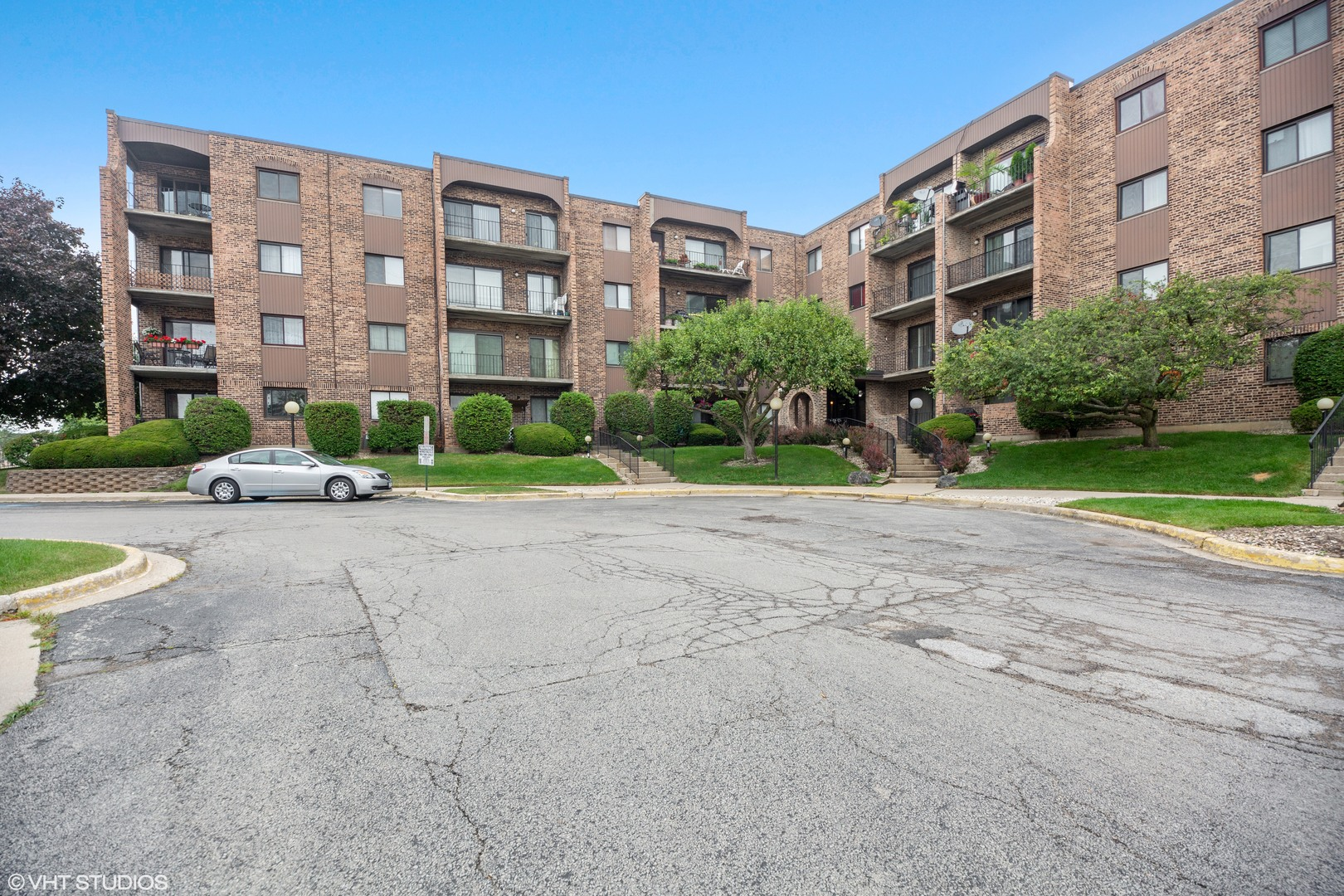 Find Homes for Sale in Mount Prospect, Chicago - Compass