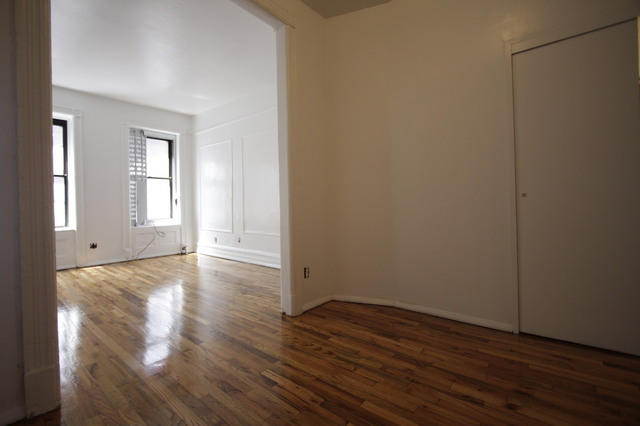 331 West 16th Street, Unit 14 Image #1