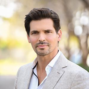 Nicholas Desantis, PA,                       Agent in Miami - Compass