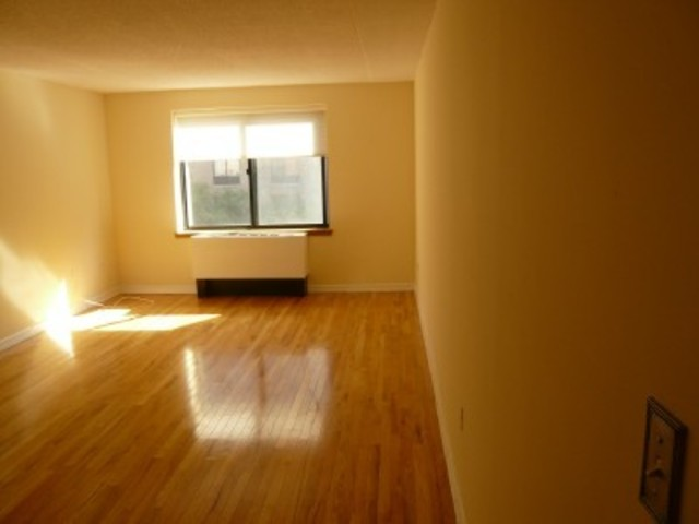 300 Rector Place, Unit 5O Image #1